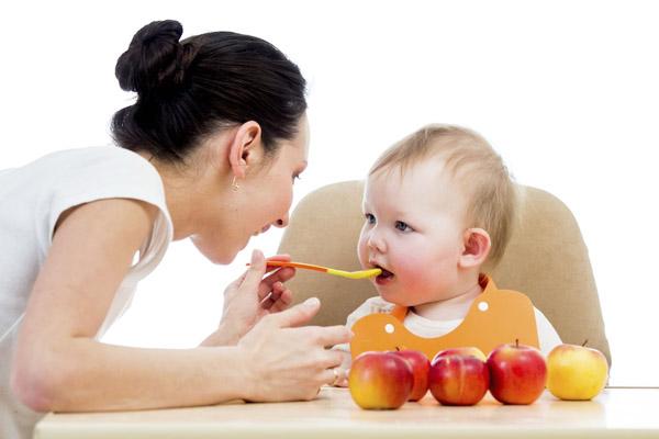 bữa sáng cho bé 1 tuổi