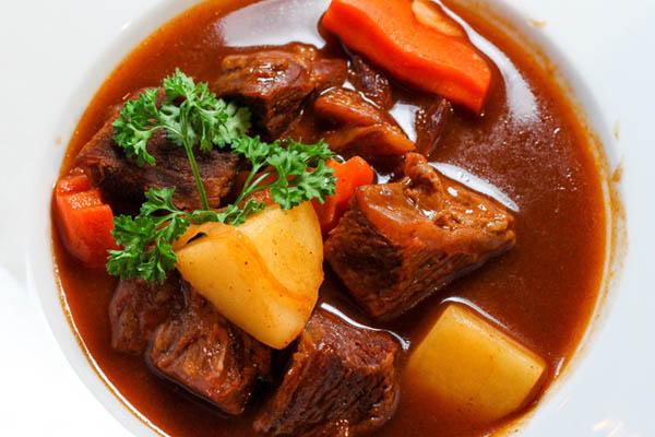 thịt bò xốt vang miền bắc