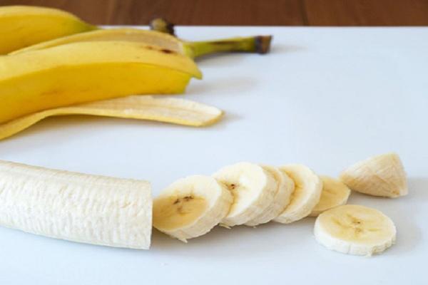 Ăn chuối để góp phần tăng cường cơ bắp