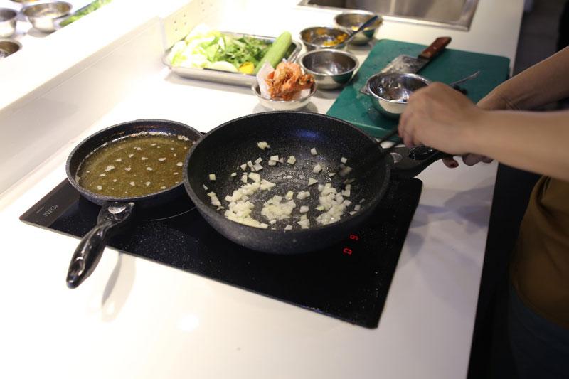 Xu hướng nấu ăn phụ nữ hiện đại