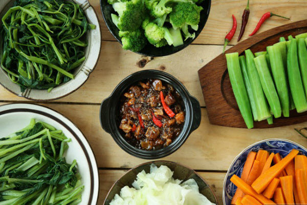 Thói quen ăn nhiều thịt của người Việt: lợi bất cập hại