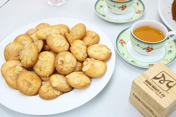 hình bánh quy hạnh nhân