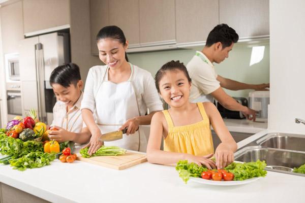 Nấu ăn – Hoạt động để cả gia đình gắn kết