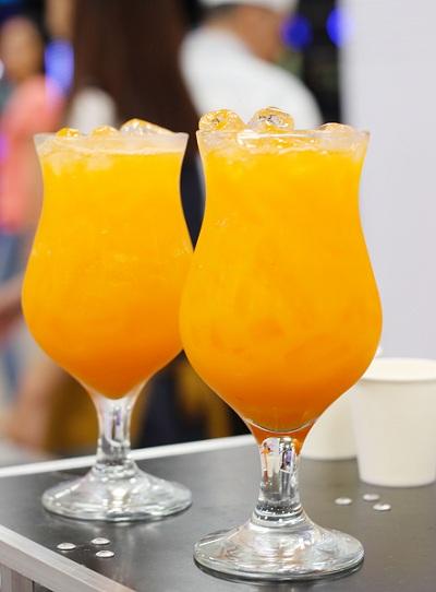 Pha chế nước cam cà rốt