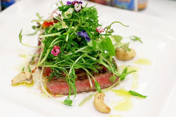 Salad bò rau cải mầm