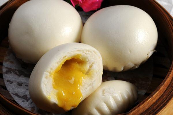 bánh bao kim sa trứng muối