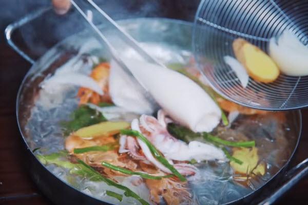 bí quyết nấu nước dùng hủ tiếu