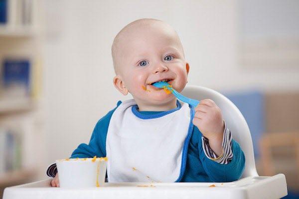 Hướng dẫn cách cho bé ăn dặm hiệu quả
