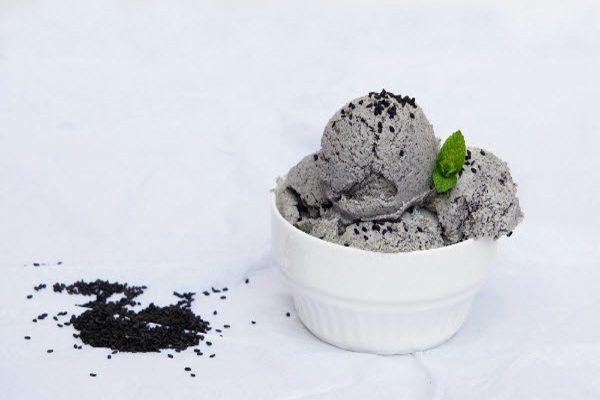 Hình kem mè đen