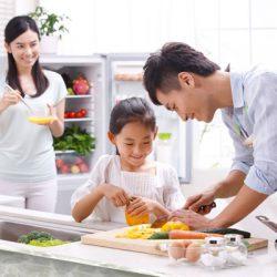 Khi nào thì nên dạy con việc bếp núc