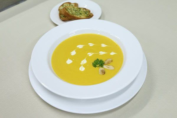hình súp bí đỏ kem tươi