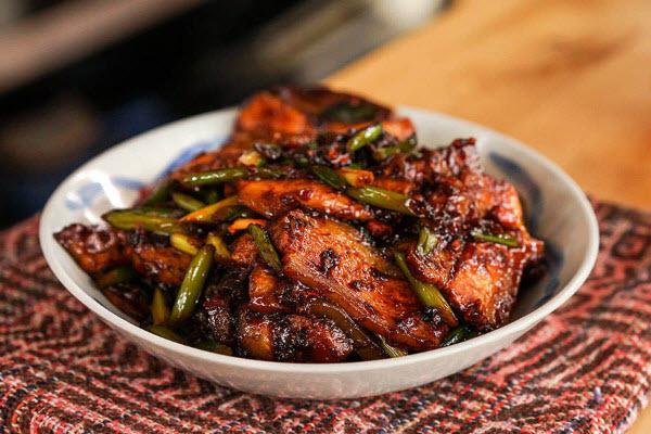 Hình thịt heo nấu