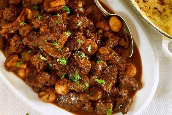 hình món thịt kho nấm rơm