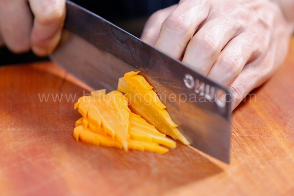 hình tỉa lá cà rốt