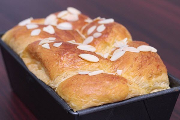 học làm bánh mì hoa cúc