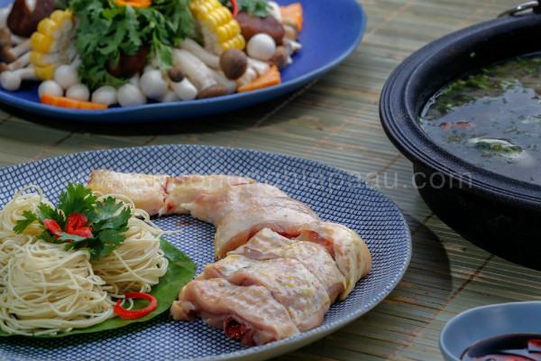 nguyên liệu nấu lẩu gà nấu nấm