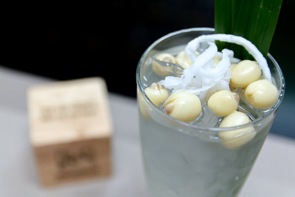 Nước sen dừa mát