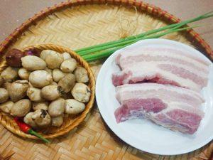 hình thịt kho nấm rơm