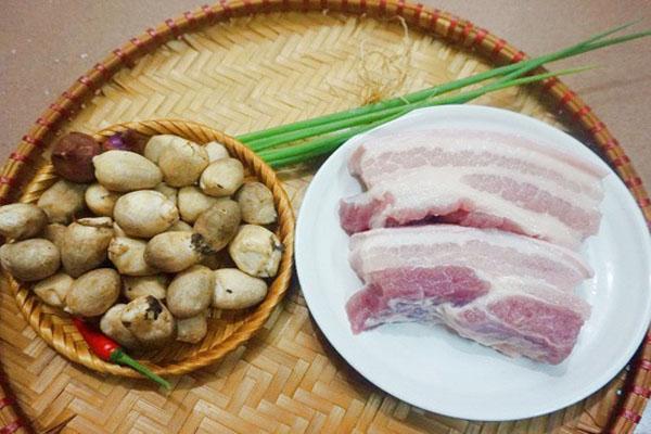 hình ảnh thịt kho nấm rơm