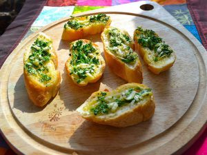 Những lát bánh mì bơ tỏi