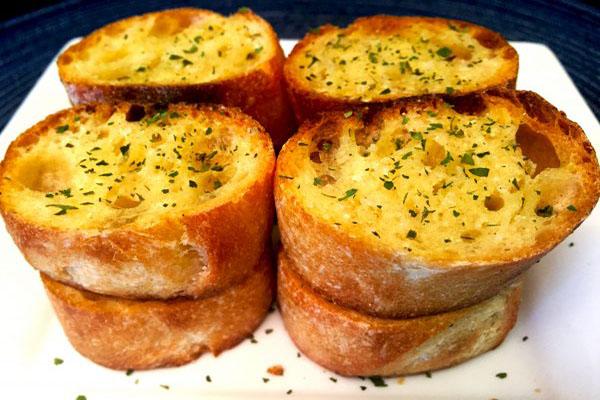 cách làm bánh mì nướng bơ tỏi