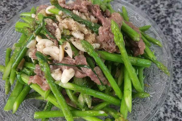 cách làm thịt bò xào măng tây