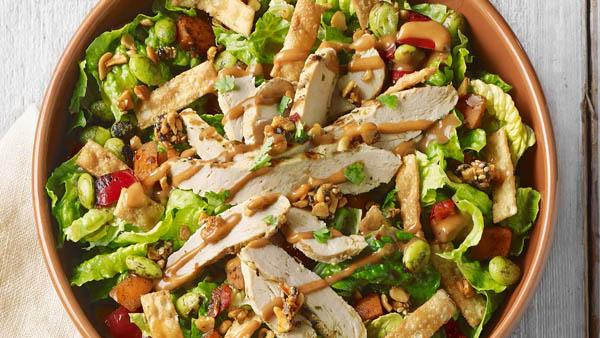 Salad ức gà hấp dẫn