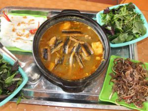 lẩu lươn chua cay