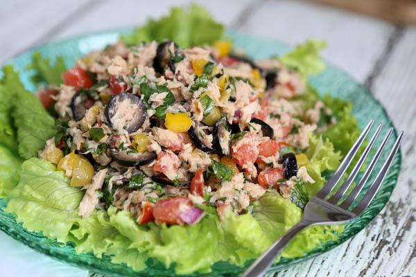 salad cá ngừ xốt mayonnaise