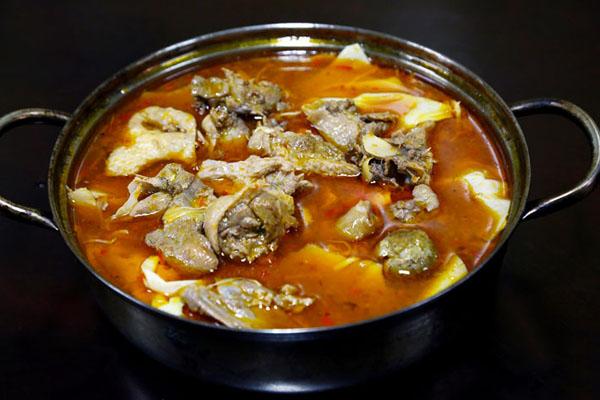 món vịt măng chua